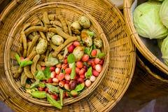 物质食物在老市场泰国上 免版税图库摄影