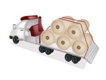 牵引车拖车平板车装货巨型造纸厂 免版税库存照片