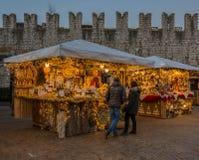 特伦托,意大利, 2017年11月22日:圣诞节市场,特伦托,特伦托自治省女低音阿迪杰,意大利 免版税库存照片