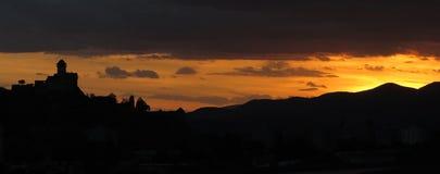 特伦钦由日落,斯洛伐克的城堡废墟 免版税图库摄影