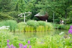 特伦顿, NJ - 2017年6月17日:在1992年建立由美国艺术家Seward约翰逊,雕塑的地面室外 库存图片