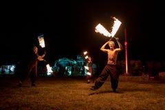 特兰西瓦尼亚中世纪节日在罗马尼亚,火分散,喷火器,火喘息机会 免版税图库摄影