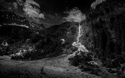 特兰西瓦尼亚融化冰河和瀑布  免版税库存照片