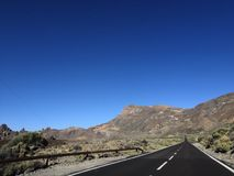 特内里费岛街道在沙漠 免版税图库摄影