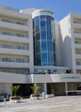 特内里费岛,加那利群岛,西班牙- 8月10,2018 :Hovima La Pinta海滩前的家庭旅馆看法位于肋前缘的阿德赫 免版税库存图片