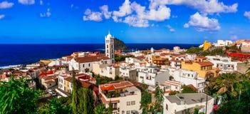 特内里费岛-五颜六色的镇加拉奇科地标  加那利群岛tenerife 图库摄影