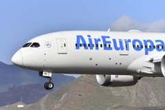 特内里费岛10月07日:对土地的飞机 2017年10月07日,特内里费岛金丝雀我 库存照片