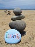 从特内里费岛的纪念品一块被雕刻的和被绘的石头的 免版税库存图片