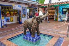 特内里费岛,西班牙- DEC 2012年:大象雕象在2012年12月6日的Loro Parque 免版税库存图片