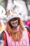 特内里费岛, 2月28日:字符和小组在狂欢节 免版税库存图片