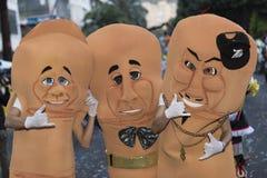 特内里费岛, 2月28日:字符和小组在狂欢节 库存照片