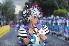 特内里费岛, 2月28日:字符和小组在狂欢节 图库摄影
