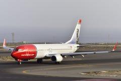 特内里费岛7月17日:对土地的飞机 2017年7月17日,特内里费岛金丝雀 库存照片