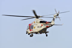 特内里费岛7月17日:直升机海抢救 2017年7月17日,特内里费岛 免版税库存图片