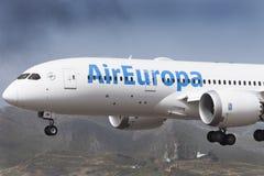 特内里费岛19 :对土地的飞机 2017年5月19日,特内里费岛加那利群岛 库存图片
