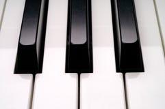 特写镜头关键董事会钢琴 免版税库存照片
