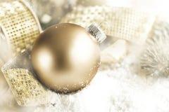 特写镜头圣诞节球装饰 库存图片