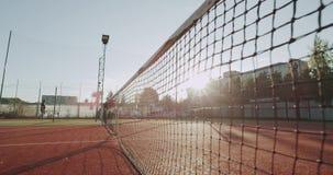 特写镜头夺取网球场和为比赛两夫人做准备 影视素材