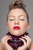 特写镜头女孩嘴唇纵向红色岩石年轻&# 库存图片