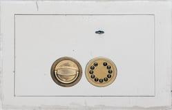 特写镜头安全的门锁 图库摄影