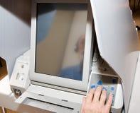 特写镜头屏幕接触投票 免版税图库摄影