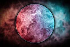 特写镜头抽象派色的桃红色和蓝色烟 免版税图库摄影