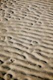 特写镜头沙丘模式红色波纹沙子 免版税库存图片
