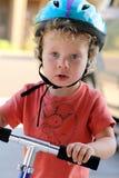 特写镜头滑行车冰鞋小孩 免版税库存图片