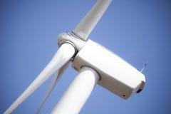 特写镜头能源远期风车 免版税库存图片