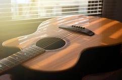 特写镜头 声学吉他 库存照片
