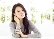 特写镜头年轻亚洲妇女面孔 库存照片