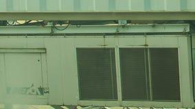 特写镜头军人购物部卡车侧面墙去通过照相机 股票录像