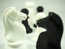 特写镜头在白色的棋子 库存图片