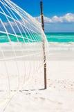 特写镜头在空热带的篮球网 免版税图库摄影