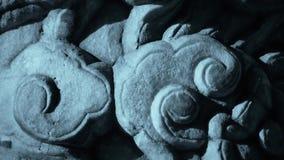 特写镜头石柱子雕刻了雕塑&云彩样式 股票录像