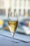 特写镜头被射击香槟玻璃 免版税库存图片
