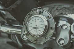 特写镜头详述车速表摩托车 免版税库存图片