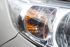 特写镜头车灯 现代的汽车 昂贵的汽车的概念 库存图片