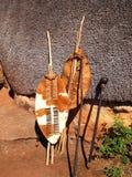 特写镜头非洲祖鲁族人矛,战士盾,南非土人所用的标枪 图库摄影