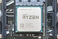 特写镜头AMD Ryzen 7在主板的1700 CPU 免版税图库摄影