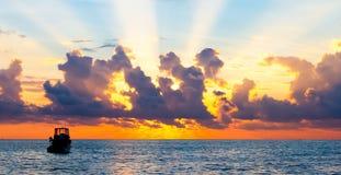 特别日落在马尔代夫 免版税库存图片