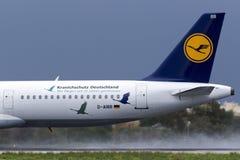 特别色彩设计汉莎航空公司A321 库存图片