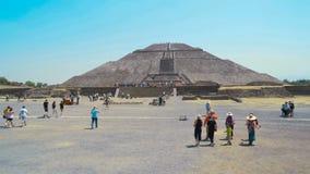特奥蒂瓦坎古老阿兹台克金字塔  太阳4K的金字塔 股票视频