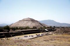 特奥蒂瓦坎太阳金字塔,墨西哥-其次最大在新的世界上在Cholula以后伟大的金字塔  免版税库存照片