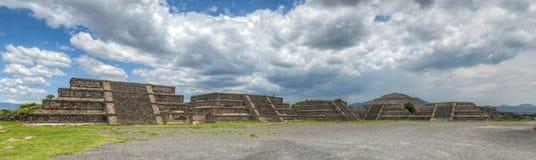 特奥蒂瓦坎,墨西哥金字塔  免版税库存照片