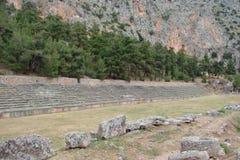 特尔斐镇希腊 06 17 2014年 落矶山脉的本质的风景在特尔斐附近镇的希腊的南部的 免版税库存照片