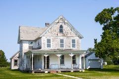 特拉华放弃了房子、车库和宾馆 免版税库存图片