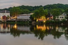 特拉华河在从历史的新的希望, PA的夏天 免版税库存照片