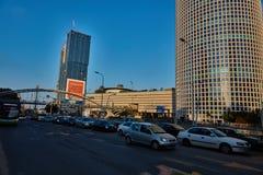 特拉唯夫- 2016年12月9日, :Azrieli购物中心在特拉维夫,街道vi 免版税库存图片
