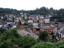 特拉夫尼克城市的倾斜的看法 库存照片
